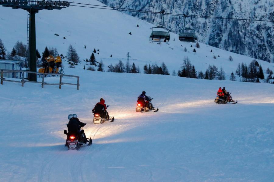 escursione-motoslitta-val-di-sole-chalet-alpenrose