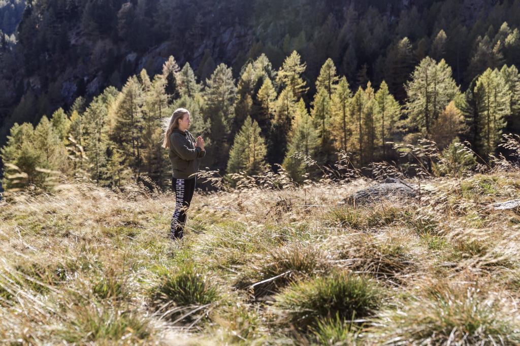 yoga_herbst_trentino_chalet_alpenrose
