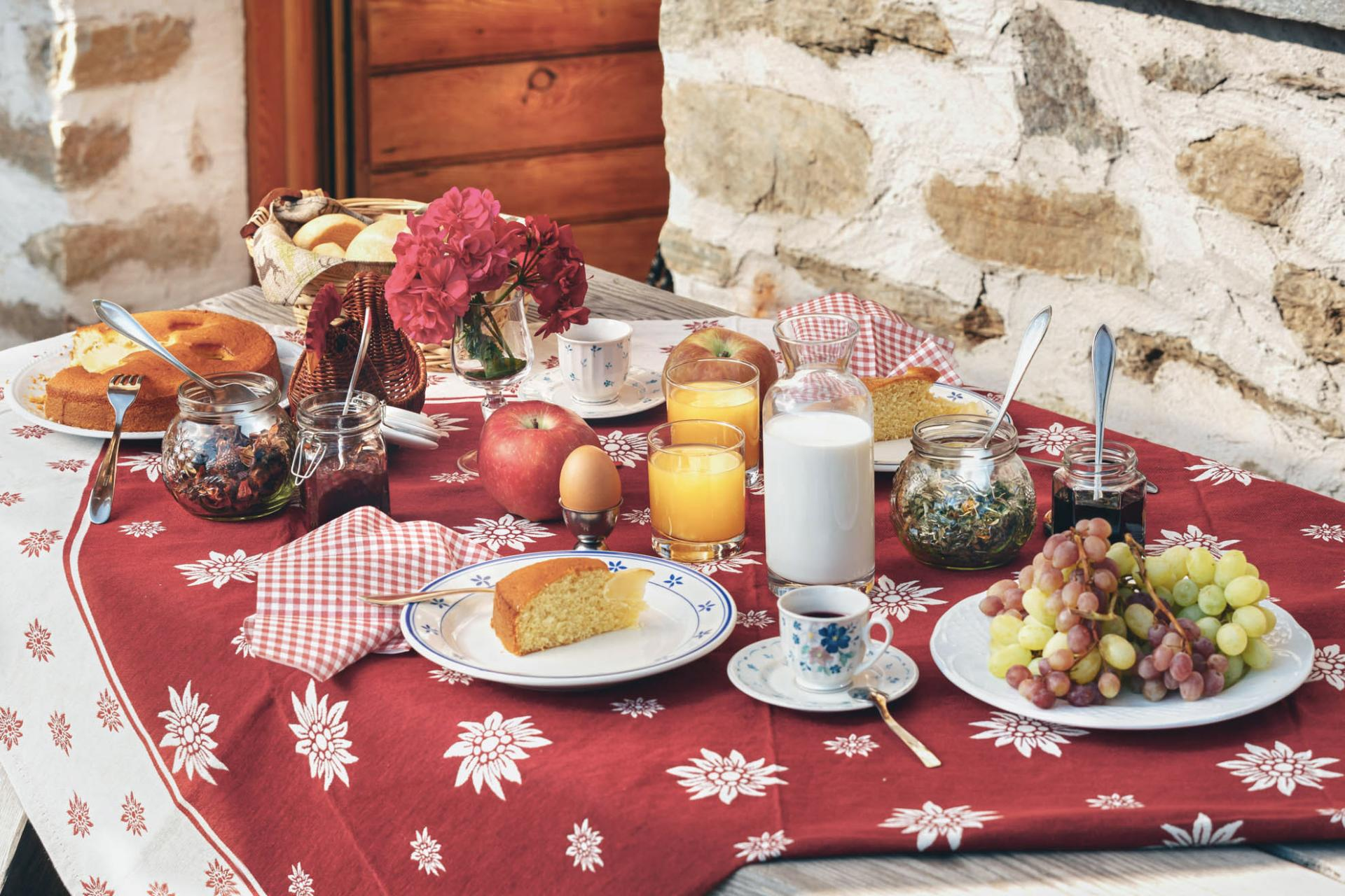 frühstücksbüffet_chalet_alpenrose_val_di_pejo_trentino